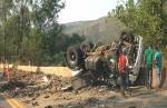 Caminhão tomba perto do Restaurante da Celinha e uma pessoa morre